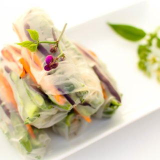 Get a Step by Step Guide to Rolling FreshSpring Rolls so that you can get it perfect, every single time. These are an easy and delicious way to get in 2+ servings of veggies a day! | @EmKyleNutrition