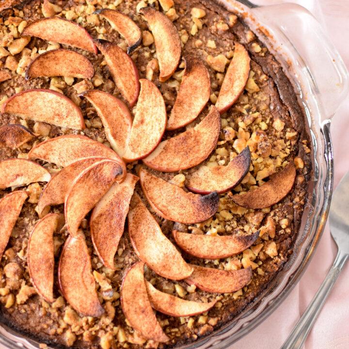 Apple & Cinnamon Baked Oatmeal Cake