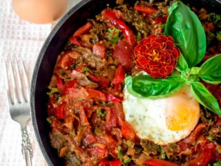 Kale & Red Pepper Shakshuka by Emily Kyle Nutrition