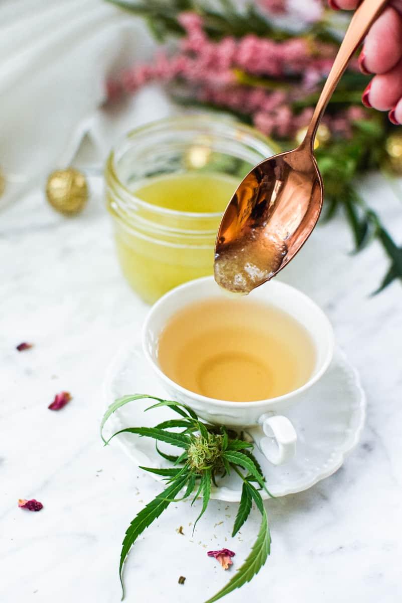Cannabis Coconut Oil in Cannabis Tea